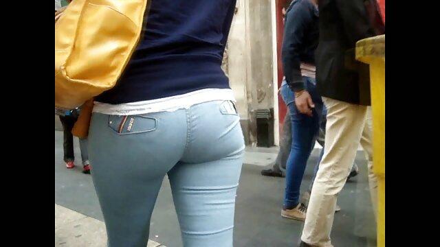 Fans de football jouant film porno en streaming vf et baisant
