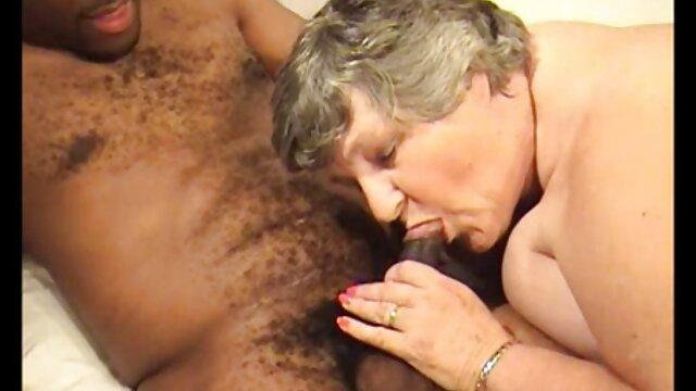 Petite voir film porno complet gratuit amie chic facialized dans un trio MFF